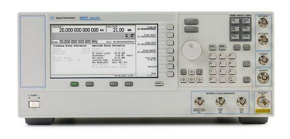 800px-E8257D_PSG_Analog_Signal_Generator