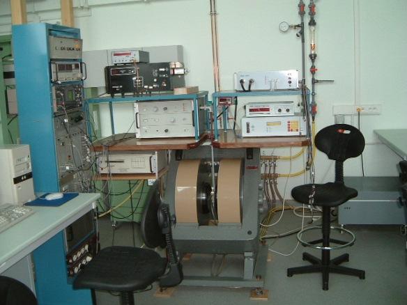 EPR_spectometer